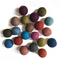 PAPOOSE - craft felt pompoms 2.5cm